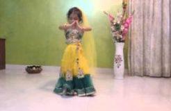 Maiya Yashoda - Cute Baby Girl Dance